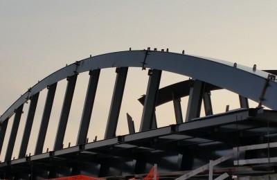 Ponte ad arco luce