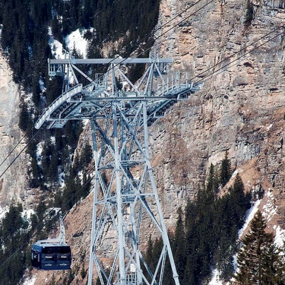Cable towers for the cableway Avoriaz