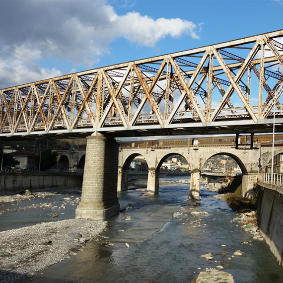 Railway bridge over the Polcevera river