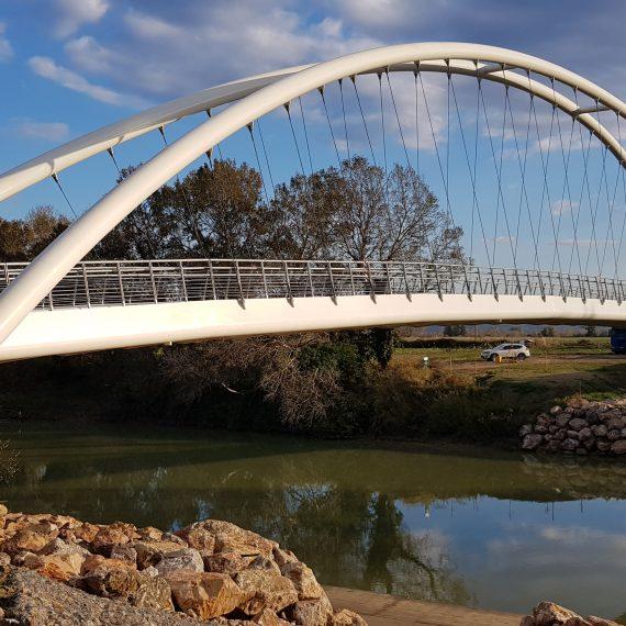 Fußgänger- und Fahrradbrücke